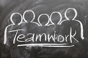 teamwork-2188038_1280